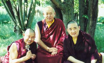 S.H. Drikung Kyabgön mit S.E. Garchen Rinpoche und S.E. Namrol Rinpoche
