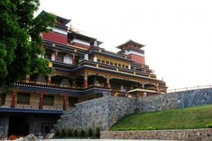 Tempel auf dem Hügel bei Kopan