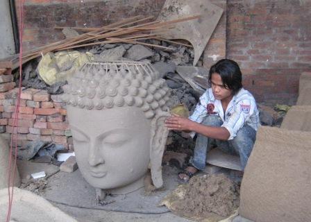 Form eines Buddha-Kopfes
