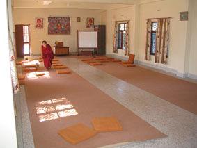 Neue Halle für den Dharma-Unterricht