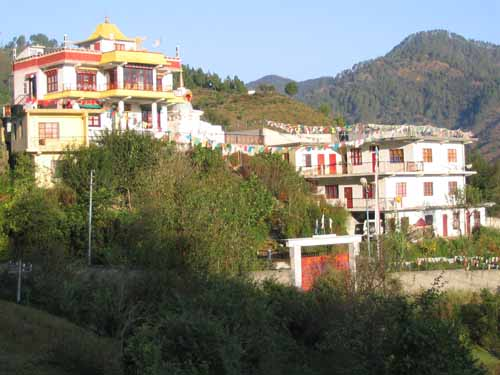 Gompa und Retreat-Häuser in Pithoragarh