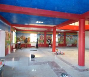 Tempelraum mit ersten Malereien