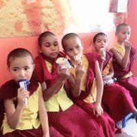 SL Nonnen mit Eis