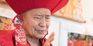 Grüne Tara Einweihung von S.E. Garchen Rinpoche am 26. April, 23.30 Uhr (YouTube)