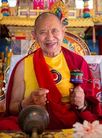 GarchenRinpoche1