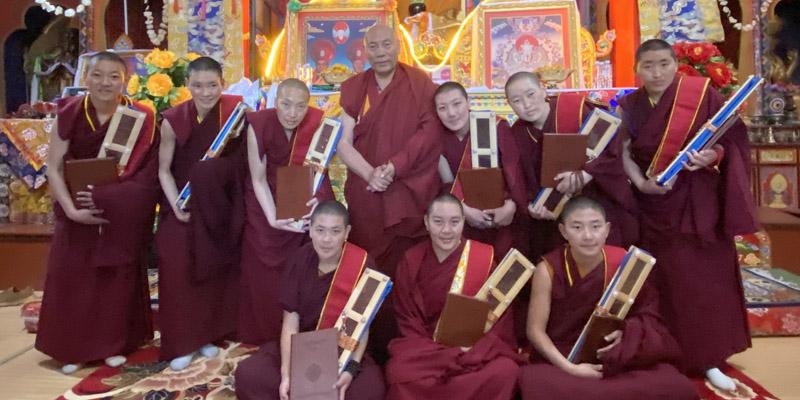 Ramjamma-Diplom für 13 Nonnen aus Samten Choling in Osttibet